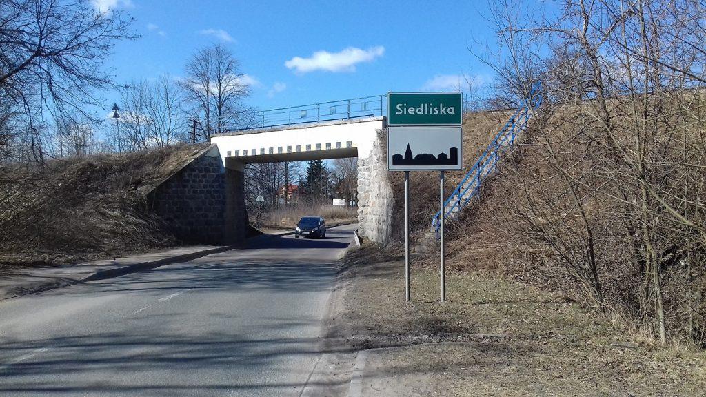 Po wielu latach oczekiwania, pod wiaduktem zbudowany będzie chodnik