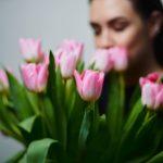 Miłości, kariery, a może dobrego słowa? Czego pragną współczesne kobiety? Posłuchaj Bliższych spotkań