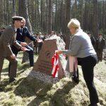 Leśnicy zasadzili  dęby na 100-lecie  niepodległości