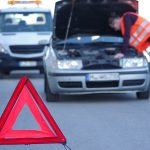 Niebezpieczny wypadek w Elblągu. Samochód osobowy zderzył się z tramwajem