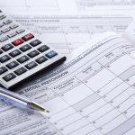 Od tego roku fiskus rozliczy PIT za nas. Minister finansów apeluje: nie musimy już przychodzić do urzędów skarbowych