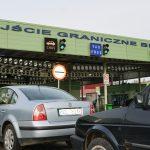 Słuchacze alarmują: wielogodzinne kolejki na przejściu w Bezledach. Straż Graniczna wyjaśnia