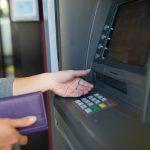 """Policja bada sprawę zniszczenia bankomatu w Gronowie Elbląskim. """"Nie skradziono żadnych pieniędzy"""""""