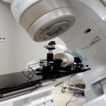 Poliklinika ma nowy sprzęt do radioterapii. Pacjenci w mniejszym stopniu odczują skutki uboczne