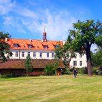 Tłumy zwiedzają zabytkowe Gimnazjum Elbląskie. Obiekt był siedzibą pierwszej polskiej szkoły średniej