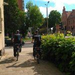 W Mrągowie policjanci patrolują ulice na rowerze
