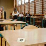 Ponad 350 tysięcy gimnazjalistów powinno dziś przystąpić do egzaminu. Premier apeluje do nauczycieli o zawieszenie strajku