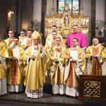 Archidiecezja warmińska ma sześciu nowych kapłanów  [ZDJĘCIA]
