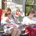 Co myślimy o publicznym karmieniu piersią? W Olsztynie trwa Tydzień Promocji Karmienia Piersią