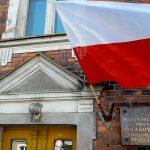 W Olsztynie pierwszą polską chorągiew zawiesili kolejarze