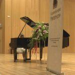 Uczniowie szkół muzycznych z całej Polski rywalizują w konkursie pianistycznym