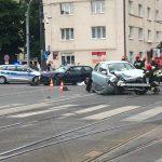 Zderzenie dwóch aut na skrzyżowaniu Kościuszki i Piłsudskiego w Olsztynie