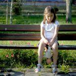 Widzisz dziecko bez opieki – nie bądź obojętny! Warmińsko-mazurscy policjanci apelują o pilnowanie swoich pociech