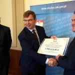 Samorządowcy z Jezioran, Lidzbarka Warmińskiego i Pisza odebrali promesy na dofinansowanie budowy i remontów dróg