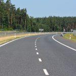 Samorządy podpisały kolejne umowy na remonty i budowy dróg lokalnych