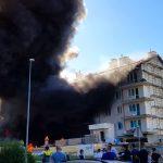 Pożar niezamieszkanego budynku na ulicy Flisa na olsztyńskich Jarotach