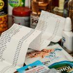 Odwołane wycieczki, nieuczciwe ceny w sklepach. UOKiK przedstawił pakiet porad dla konsumentów