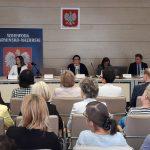 Kiedyś problemem był analfabetyzm, dziś – starzenie się społeczeństwa. W Olsztynie rozmawiali o polityce społecznej