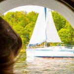 Pijani żeglarze to prawdziwa plaga. Tysiące turystów spędziło długi weekend na mazurskich jeziorach