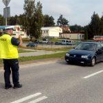 """Kolejarze i policjanci edukują kierowców. PKP prowadzi akcję """"Bezpieczne piątki"""""""