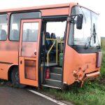 W okolicach Bisztynka autobus z pasażerami wjechał do rowu. Prawdopodobnie zawiodły hamulce
