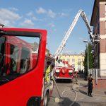 Pożar na ul. Wojska Polskiego w Olsztynie. Z ogniem walczyło pięć zastępów straży pożarnej