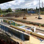 Trwa remont stadionu Stomilu Olsztyn. Sprawdziliśmy, kiedy piłkarze wybiegną na nową murawę. Zobacz film