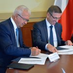 Olsztyńska podstawówka z nowym, wielofunkcyjnym kompleksem sportowym. Dziś podpisano umowy