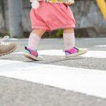 Dziewczynki w wieku 4 i 8 lat potrącone przez nastoletniego kierowcę
