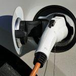 W Elblągu powstają stacje ładowania pojazdów elektrycznych