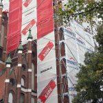 Wandale zniszczyli wieżę kościoła w Olsztynie. Trzeba było wstrzymać prace remontowe