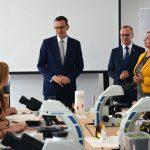 Premier Morawiecki odwiedził Ostródę. Spotkał się z młodzieżą polskiego pochodzenia z Litwy, Ukrainy i Białorusi
