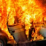 Pożar samochodu w Nidzicy. W pojeździe znajdowało się ciało