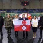 Elbląskie technikum otrzymało imię Flagi Polskiej. Inspiracją był przedwojenny sztandar z konsulu w norweskim Stavanger