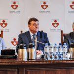 """Pensja prezydenta Elbląga bez zmian. """"Gdyby chodziło tylko o pieniądze, nie startowałbym w wyborach samorządowych"""""""