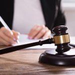 39-latek zniszczył Dąb Pamięci. Sąd skazał mężczyznę na karę grzywny