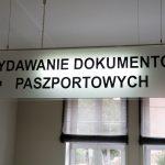 """Kolejny """"Wieczór z Paszportem"""" na Warmii i Mazurach. Gdzie można złożyć wniosek o ten dokument po godzinach pracy?"""
