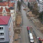 Czy dopiero w kwietniu pojedziemy Partyzantów w Olsztynie? Odkrycie cmentarza opóźniło modernizację ulicy
