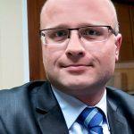 """""""Kłamstwo polityczne nie powinno mieć miejsca"""". Elbląski radny Paweł Kowszyński gościem Porannych Pytań"""