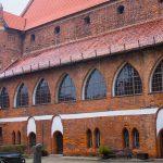 Tłumy na zamku w Olsztynie. Mieszkańcy Warmii i Mazur obejrzeli największą w regionie wystawę patriotyczną