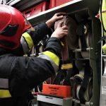 Pożar na drodze S7. Osobówka stanęła w płomieniach