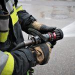 Trzy osoby poparzone w pożarze w centrum Olsztyna