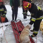 Pod psem załamał się lód. Strażacy z Orzysza ruszyli na pomoc