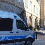 Chwile grozy w olsztyńskim ratuszu. Przez alarm bombowy ewakuowano urzędników i petentów