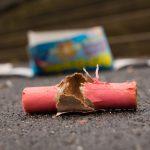 Tragiczne konsekwencje odpalania fajerwerków. Nastolatek stracił dwa palce