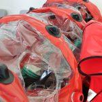 Lotnisko w Szymanach otrzymało specjalną odzież i komorę Bio-Bag. Sprzęt może zapobiec ewentualnej epidemii