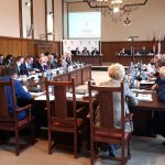 Elbląg przyjął budżet miasta na 2019 rok. Radni uczcili również pamięć zmarłego prezydenta Gdańska