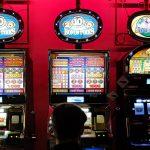 Legalny hazard na Warmii i Mazurach. W salonach z automatami specjalna karta zamiast gotówki