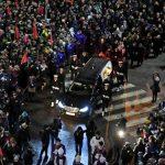 Żałoba narodowa po śmierci Pawła Adamowicza. Ulicami Gdańska przeszedł kondukt z trumną prezydenta miasta