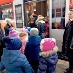 Dla większości to była pierwsza podróż pociągiem. Kilkaset dzieci  z wizytą u olsztyńskich kolejarzy